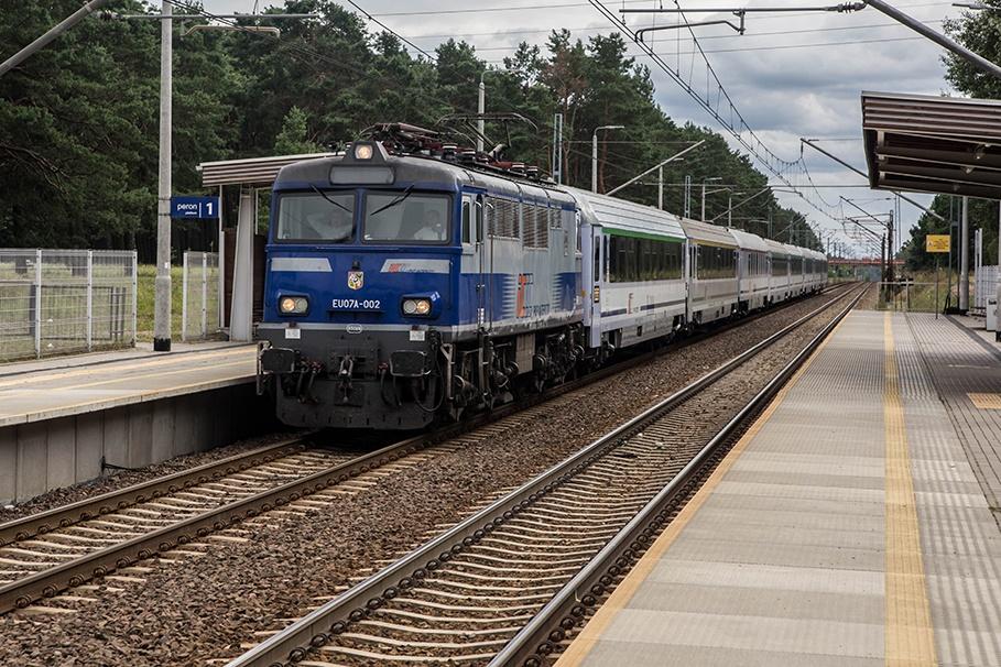 Dworzec Kolejowy Bydgoszcz-Błonie_pociąg PKP Intercity - SM