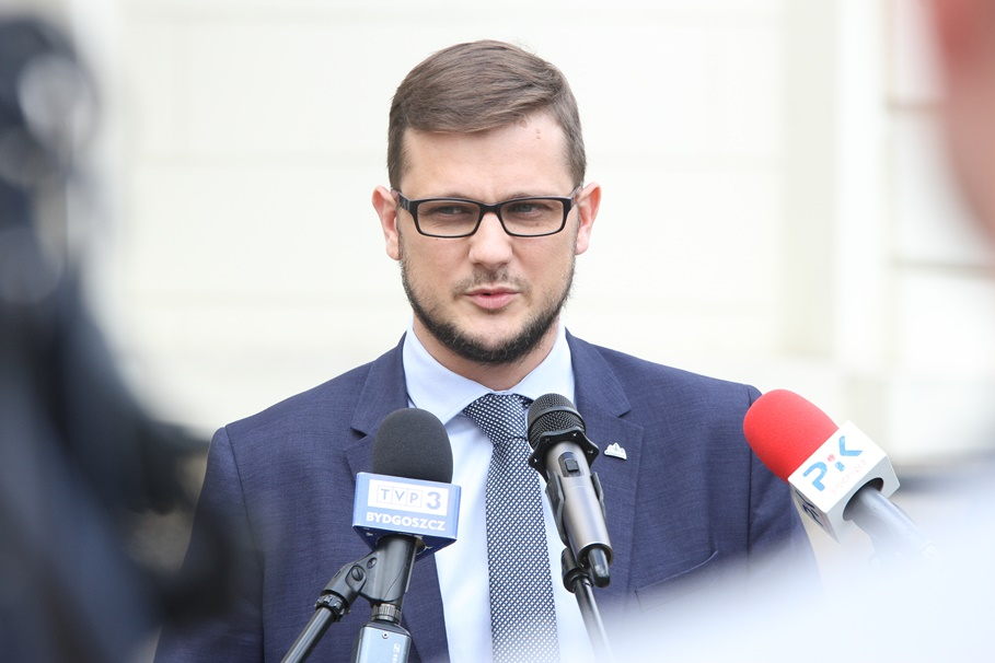 Michał Sztybel - SF (1)