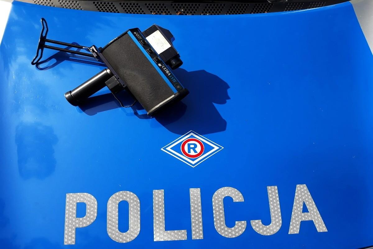 policja_na sygnale_fotoradar_pomiar prędkości_KMP Grudziądz