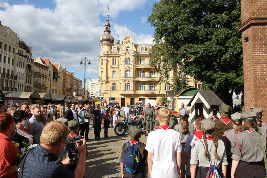 1-08-2020_ Bydgoszcz_ 76 rocznica wybuchu Powstania Warszawskiego_obchody_plac Wolności_środowiska Narodowe - SF (24)