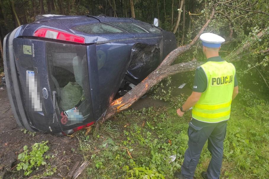 27-08-2020_wypadek osiedle Leśna Polana Toruń - KMP Toruń-3