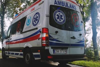 Ambulans_karetka pogotowia ratunkowego_na sygnale_Robert Koniec