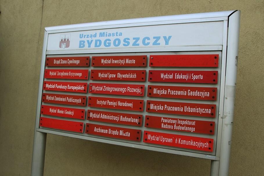 Bydgoszcz_Urząd Miasta Bydgoszcz-Grudziądzka_tabliczki_Wydziały UM Bydgoszcz-SF