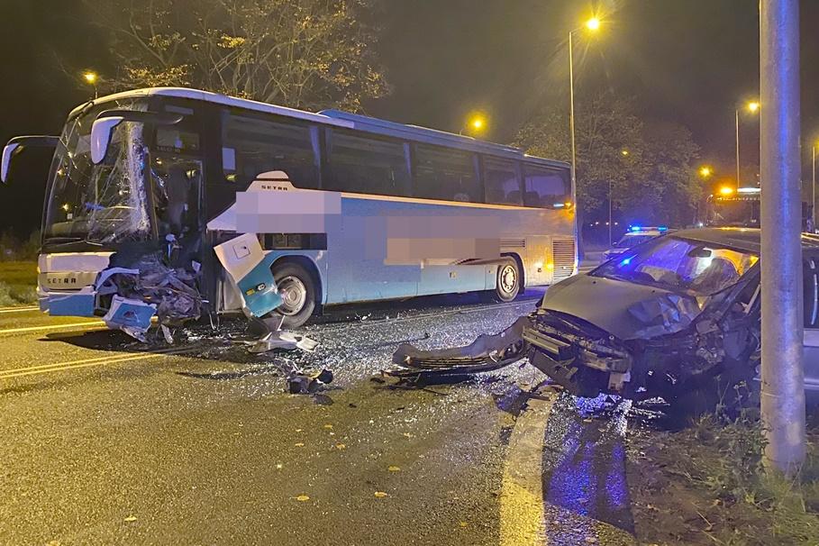 10-10-2020_wypadek DK91 Ostaszewo_Pomoc Drogowa J&J Hejnowicz Truck&Bus