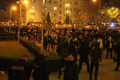 26-10-2020_pikieta_Bydgoszcz_Strajk Kobiet - SF (56)