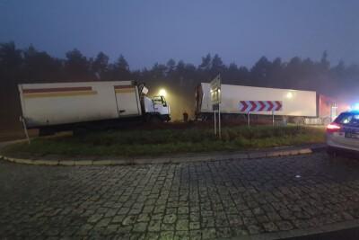 31-10-2020_wypadek Toruń_rondo Ludmiły Roszko_KMP Toruń-1