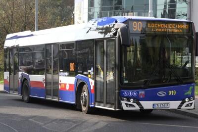 Autobus - linia międzygminna 90, kierunek Łochowice - SF