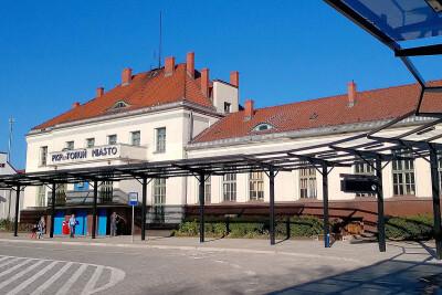 dworzec_torun_miasto_Wikipedia