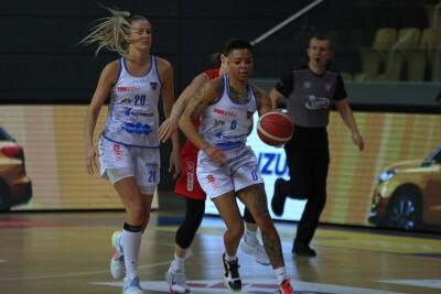 22-11-2020_koszykówka_Energa Basket Liga Kobiet_KS Basket 25 Bydgoszcz - Ślęza Wrocław - Janeesa Jeffery, Magdalena Szajtauer - SF