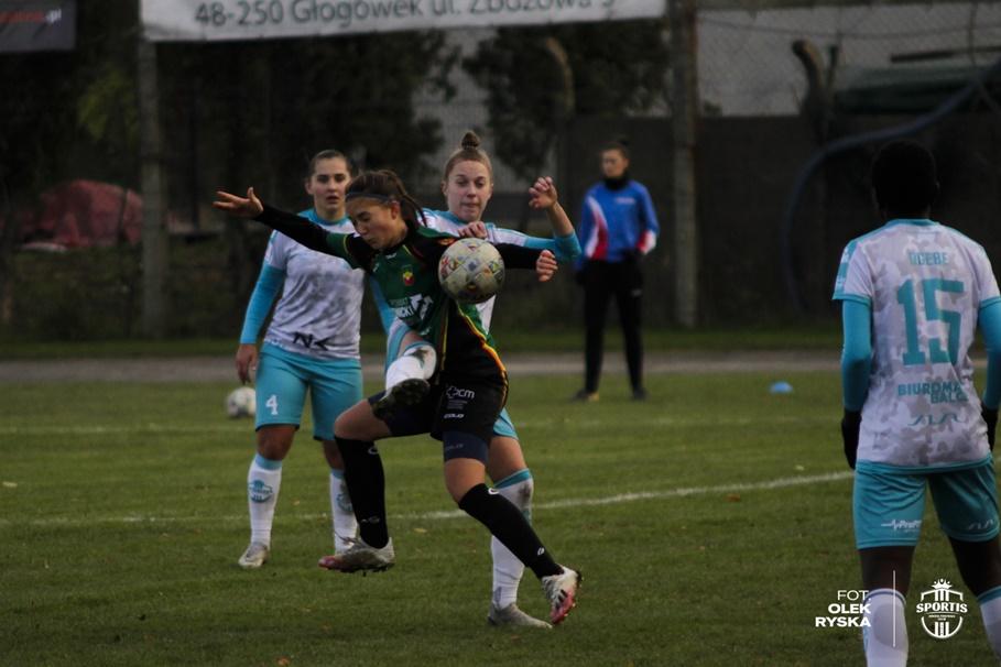 22-11-2020_piłka nożna kobiet_Ekstraliga_Rolnik Głogówek - Sportis KKP Bydgoszcz_AR (36)