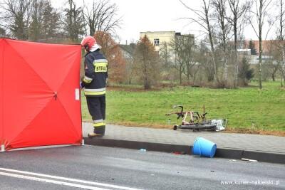 27-11-2020_wypadek_DW241_Paterek_potrącenie rowerzysty_ZK