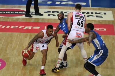 8-11-2020_koszykówka_Energa Basket Liga_Enea Astoria Bydgoszcz - Polpharma Starogard_Corey Sanders - JS