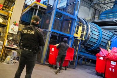 narkotyki_zniszczenie_spalenie_Piec_policja_KWP Bydgoszcz (5)