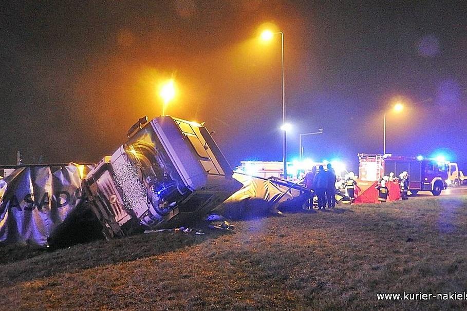 11-12-2020_śmiertelny wypadek_DK10_Nakło nad Notecią_ZK