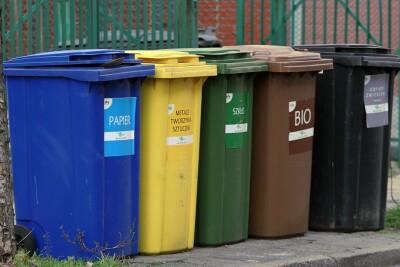 Bydgoszcz_Pojemniki na śmieci_Papier, Plastik, Szkło, Bio, Odpady zmieszane - SF