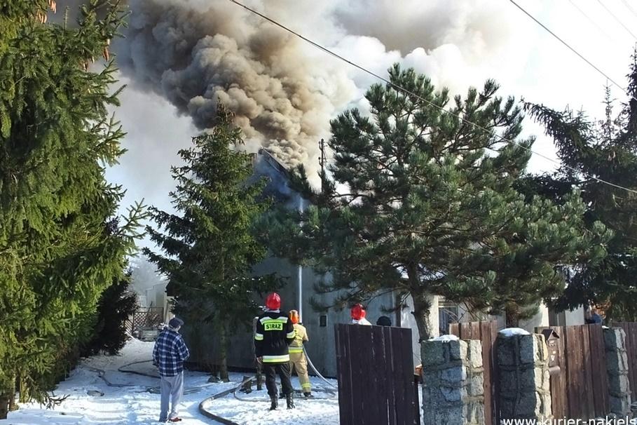 15-02-2021_pożar budynku_Występ_pow. nakielski - ZK-6