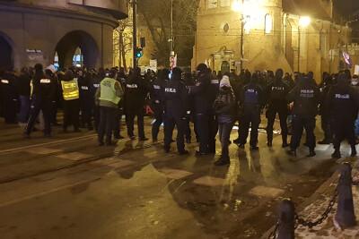 strajk_kobiet_focha_bydgoszcz_policja_1022021_ED