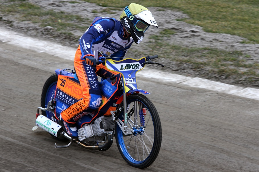 Adrian Miedziński