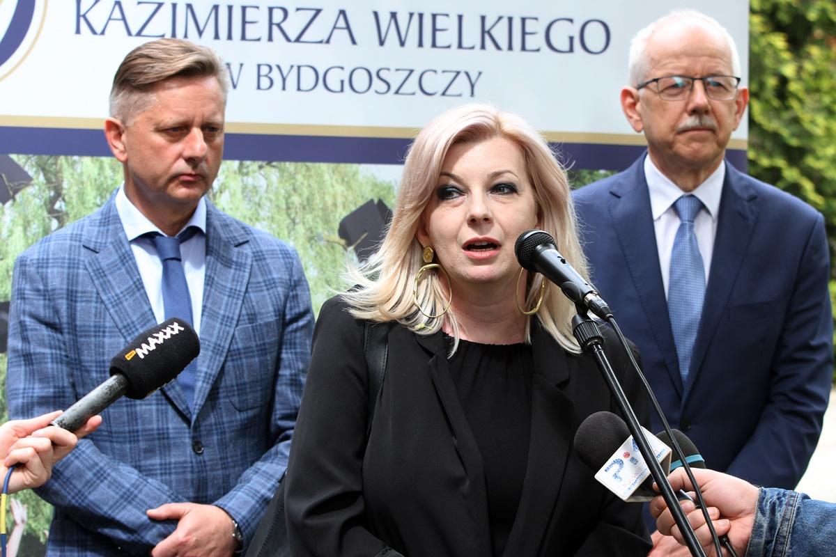 dr Agnieszka Banaszak-Piechowska, prof. Jacek Woźny, prof. Janusz Kowalewski