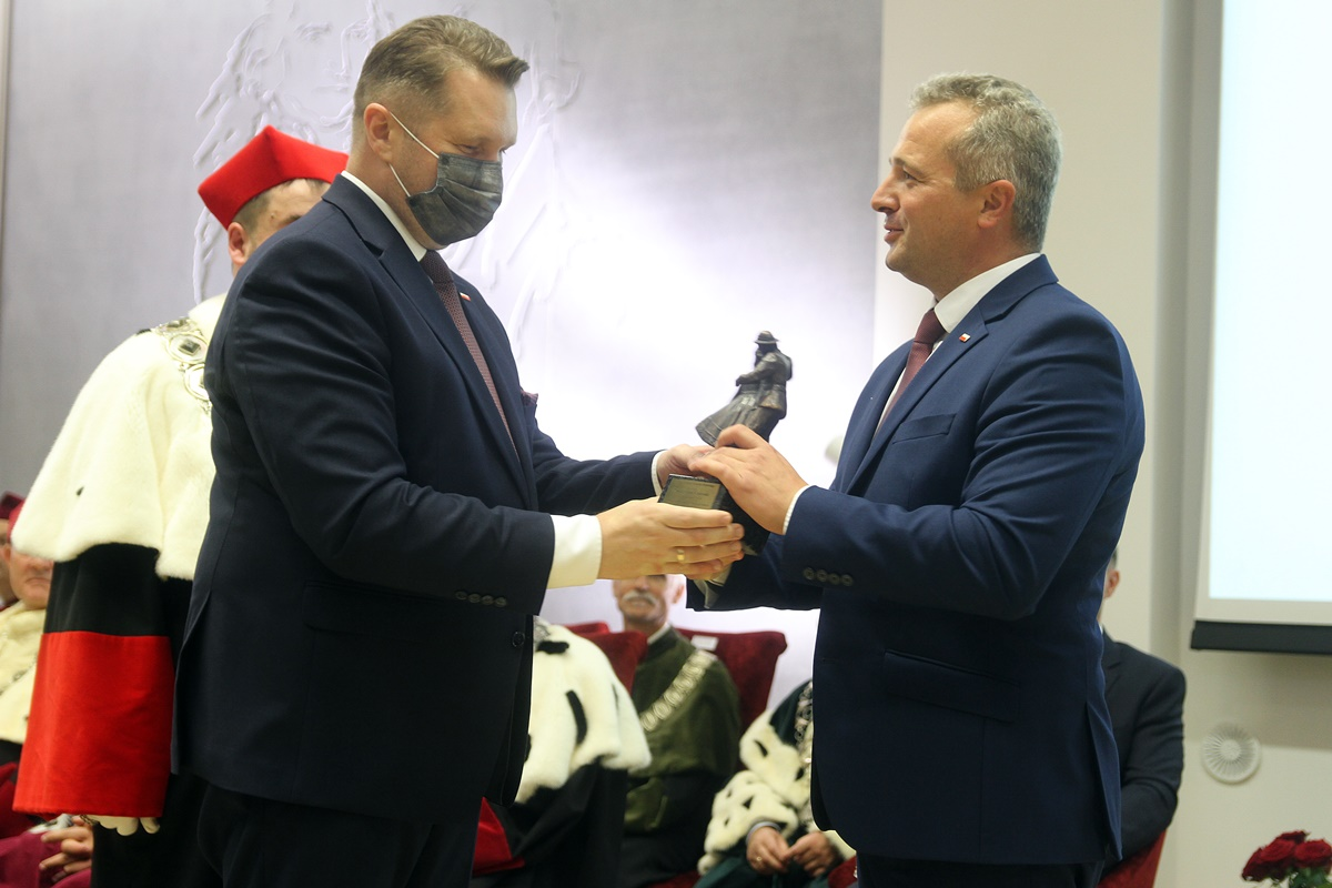 Mikołaj Bogdanowicz, Przemysław Czarnek